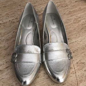 Silver shoes 👠 👠👠👠